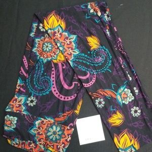 Floral Paisley Lularoe TC leggings NWT